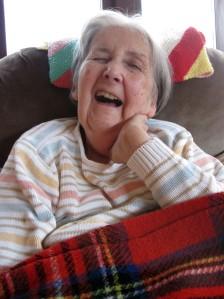 Lauhing Mum2 (2)